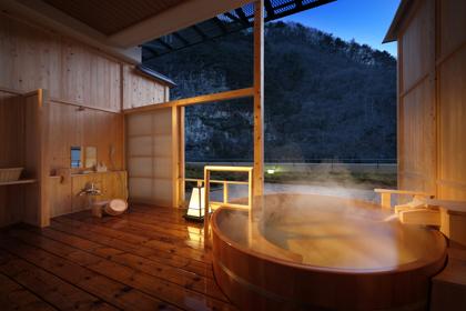 夜の貸切風呂も良い雰囲気♪